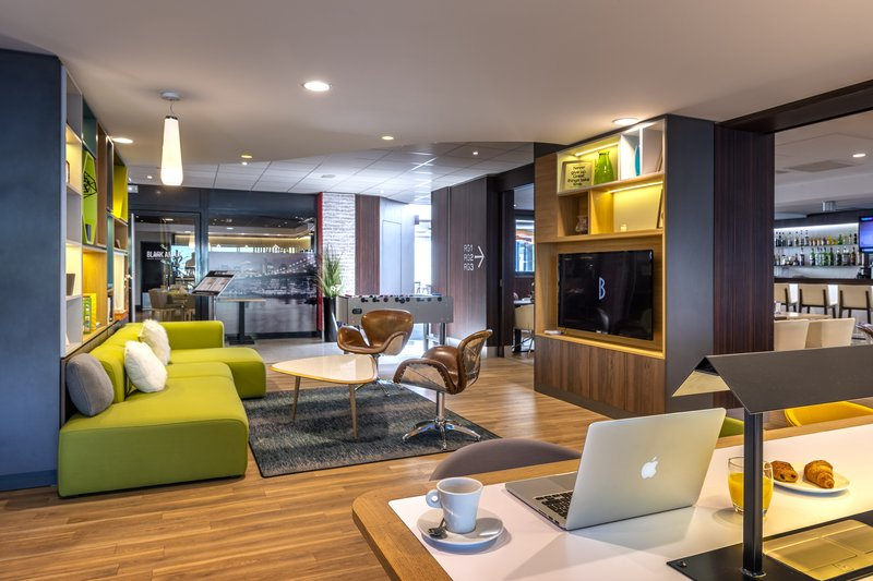 Holiday Inn Toulouse Airport-Hotel Lobby<br/>Image from Leonardo