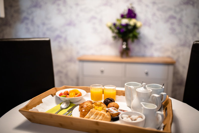 Holiday Inn A55 Chester West-Room Service<br/>Image from Leonardo