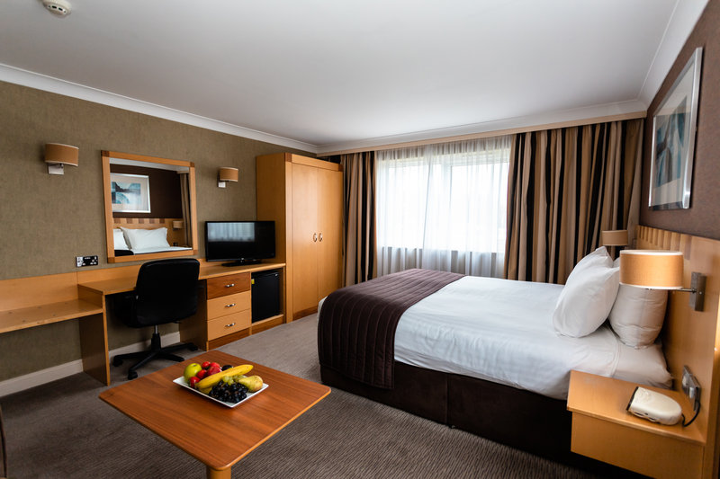 Holiday Inn A55 Chester West-Guest Room<br/>Image from Leonardo