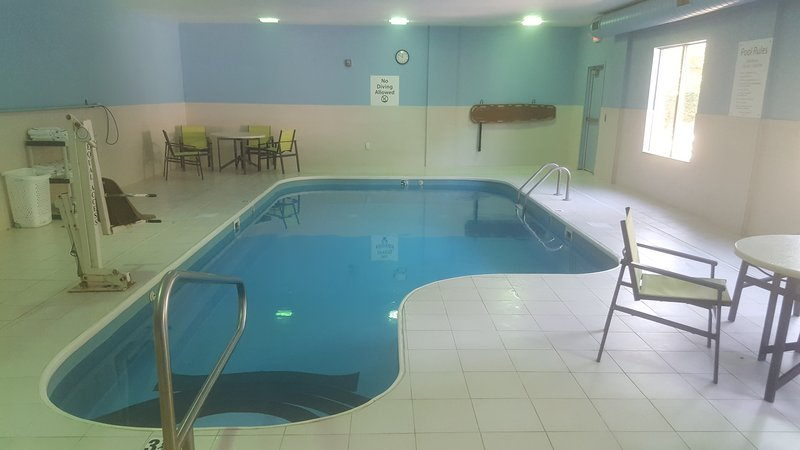 Holiday Inn Express & Suites Dayton - Centerville-Heated Indoor Pool<br/>Image from Leonardo