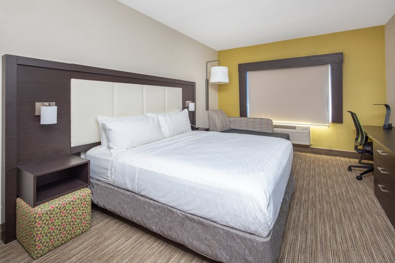 Holiday Inn Express & Suites Bishop-1 King Bed Leisure Nonsmoking <br/>Image from Leonardo