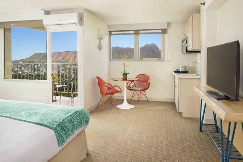 Queen Kapiolani Hotel - QKHJunior Suite Diamond Head View <br/>Image from Leonardo