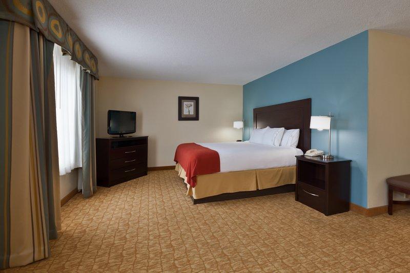 Holiday Inn Express Winston-Salem-King Suite<br/>Image from Leonardo