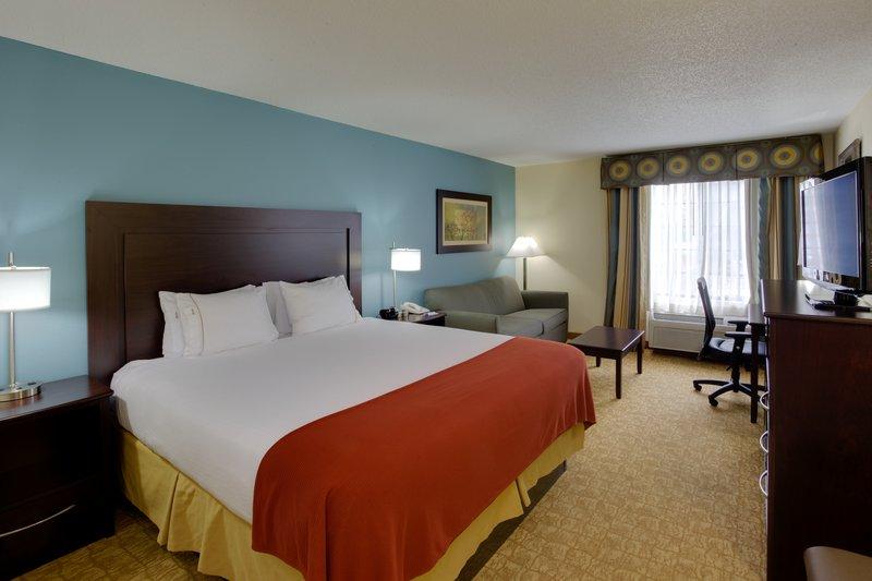 Holiday Inn Express Winston-Salem-King Bed Guest Room<br/>Image from Leonardo