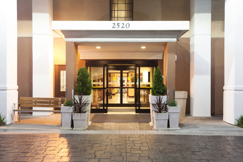 Holiday Inn Express Winston-Salem-National Black Theatre Festival 2017 only 7.6 miles away<br/>Image from Leonardo