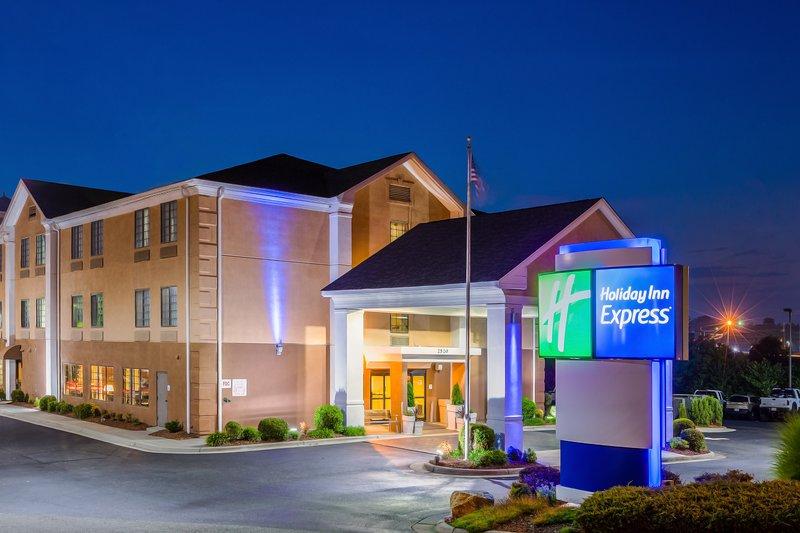 Holiday Inn Express Winston-Salem-Reynolda House Museum of American Art only 5.6 Miles away<br/>Image from Leonardo