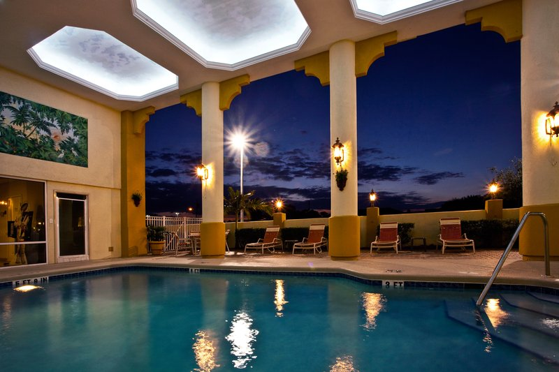 Holiday Inn Express & Suites Cocoa Beach-Swimming Pool<br/>Image from Leonardo