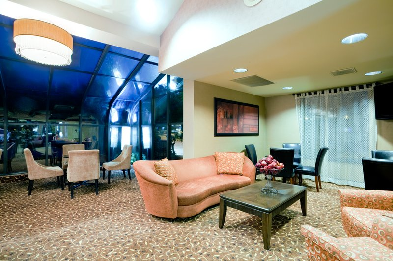 Holiday Inn Express Winston-Salem Downtown West-Breakfast Area TV nook<br/>Image from Leonardo
