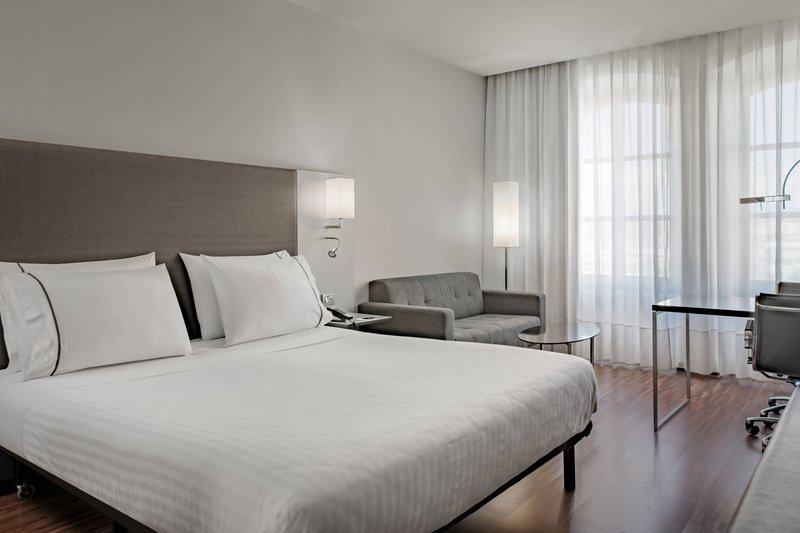 AC Hotel Torino-Standard King Room<br/>Image from Leonardo