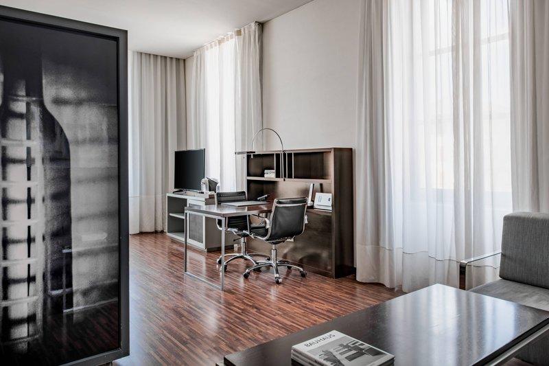 AC Hotel Torino-King Junior Suite<br/>Image from Leonardo