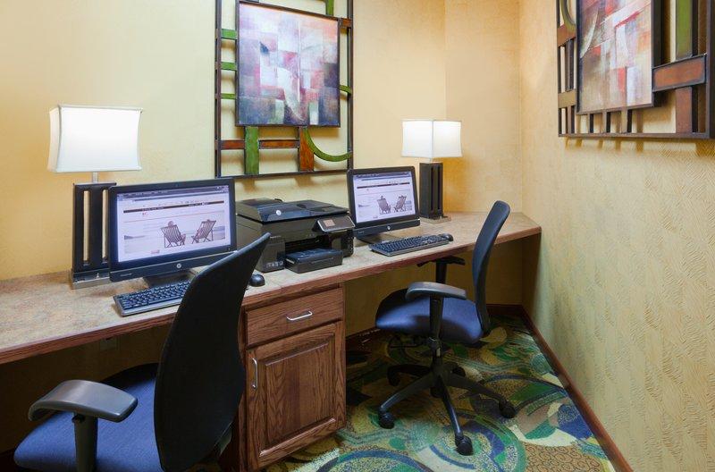 Holiday Inn Fairmont-Business Center<br/>Image from Leonardo