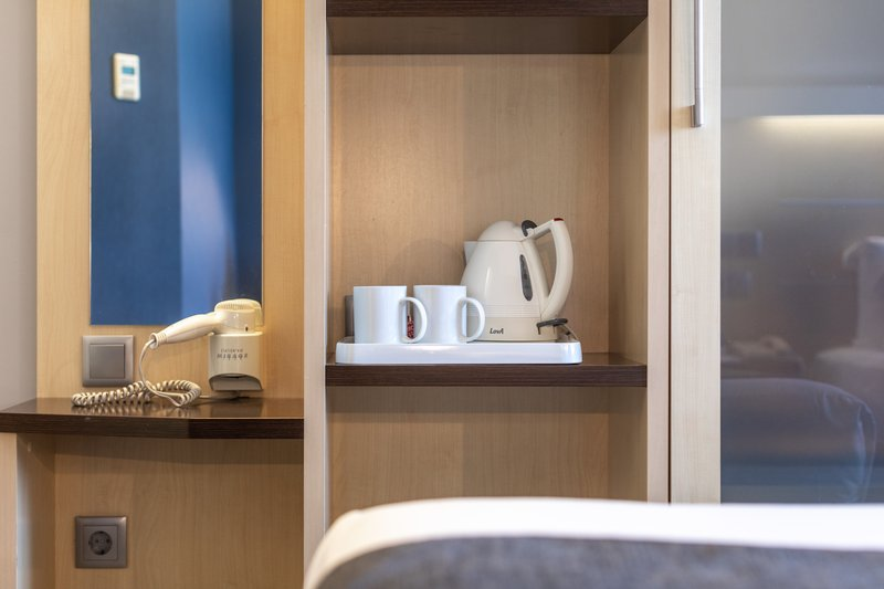 Holiday Inn Express Porto - Exponor-Room Feature<br/>Image from Leonardo
