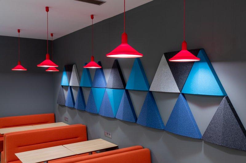 Holiday Inn Express Porto - Exponor-Breakfast Area<br/>Image from Leonardo