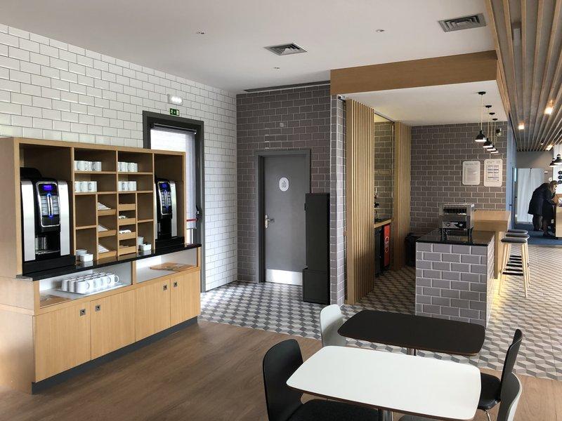 Holiday Inn Express Porto - Exponor-The coffee corner<br/>Image from Leonardo