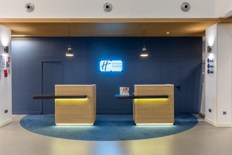 Holiday Inn Express Porto - Exponor-Reception<br/>Image from Leonardo