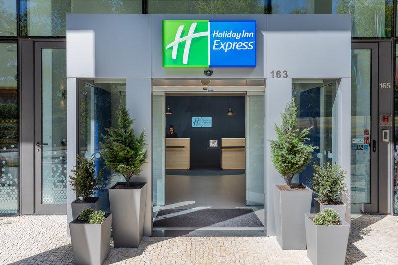 Holiday Inn Express Porto - Exponor-Entrance<br/>Image from Leonardo