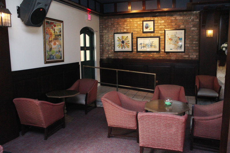 The Courtleigh-Mingles Bar & Lounge<br/>Image from Leonardo