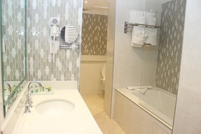 Jamaica Pegasus-Bathroom<br/>Image from Leonardo