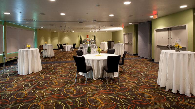 Holiday Inn Tulsa City Center-Reception Area<br/>Image from Leonardo