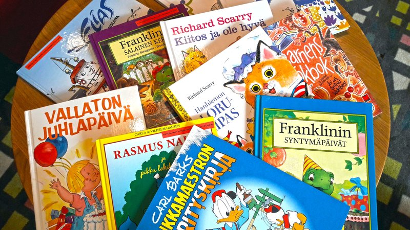 Holiday Inn Helsinki - West -Ruoholahti-Lots of kids book to read. Just ask more from the reception<br/>Image from Leonardo