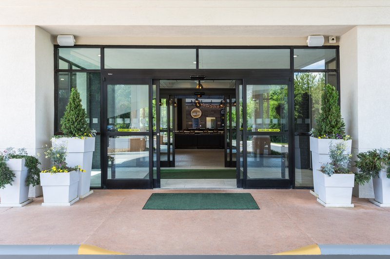 Holiday Inn Roanoke - Valley View-Our front entrance is so welcoming! Come home & stay with us! <br/>Image from Leonardo