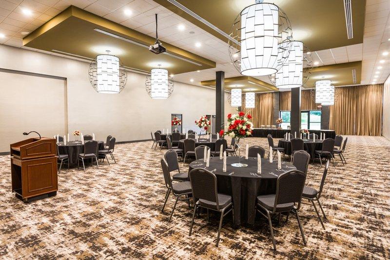 Holiday Inn Roanoke - Valley View-Ballroom <br/>Image from Leonardo