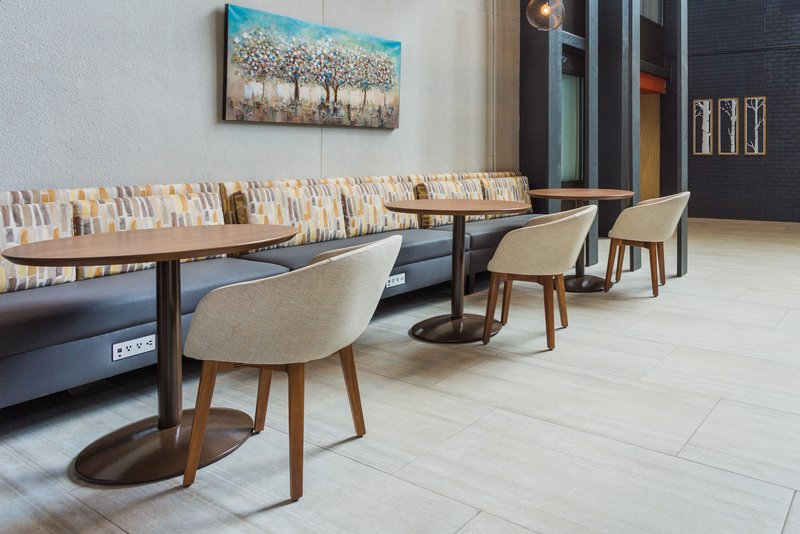 Holiday Inn Roanoke - Valley View-Need an impromptu meeting at our business center? <br/>Image from Leonardo