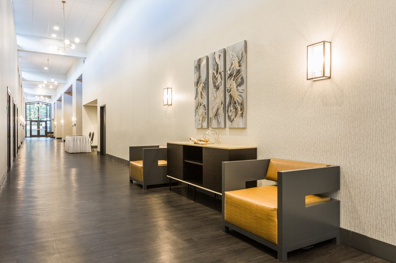 Holiday Inn Roanoke - Valley View-Pre-function Area <br/>Image from Leonardo
