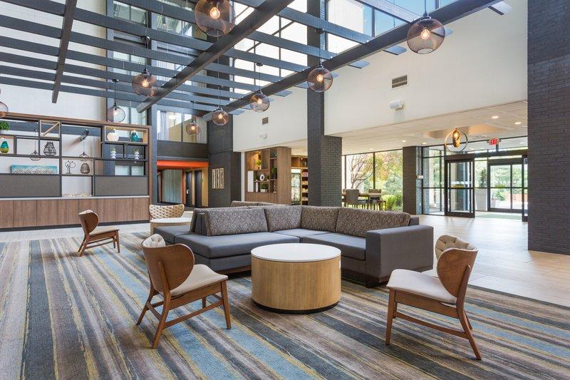 Holiday Inn Roanoke - Valley View-Atrium <br/>Image from Leonardo