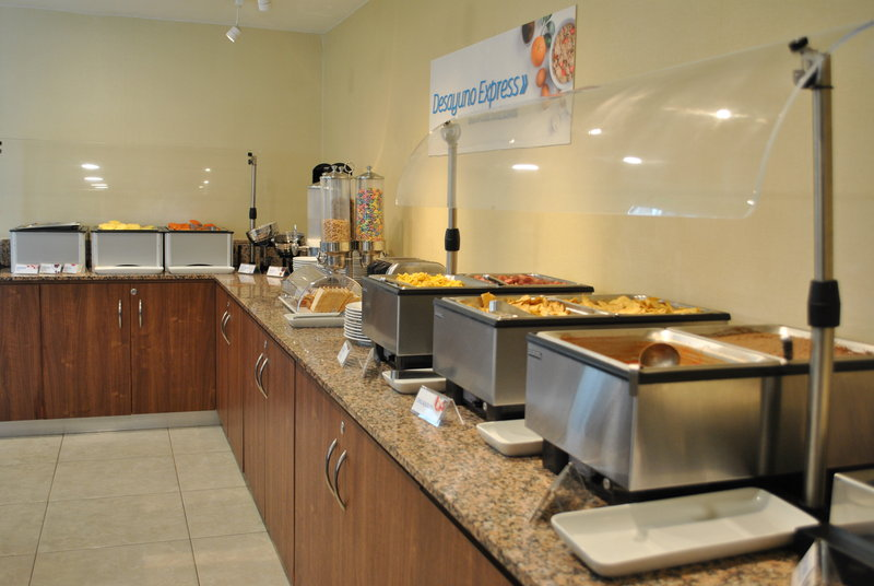 Holiday Inn Express Toluca-Breakfast Area<br/>Image from Leonardo
