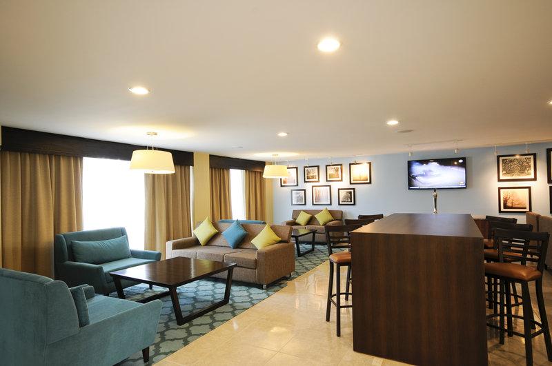 Holiday Inn Express Toluca-Breakfast Bar<br/>Image from Leonardo
