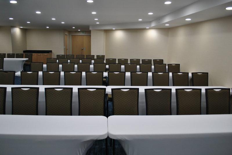 Holiday Inn Express Toluca-Meeting Room<br/>Image from Leonardo