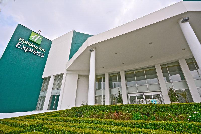 Holiday Inn Express Toluca-Entrance<br/>Image from Leonardo