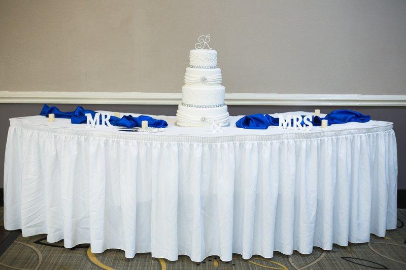 Holiday Inn Morgantown-Reading Area-Cake Table <br/>Image from Leonardo