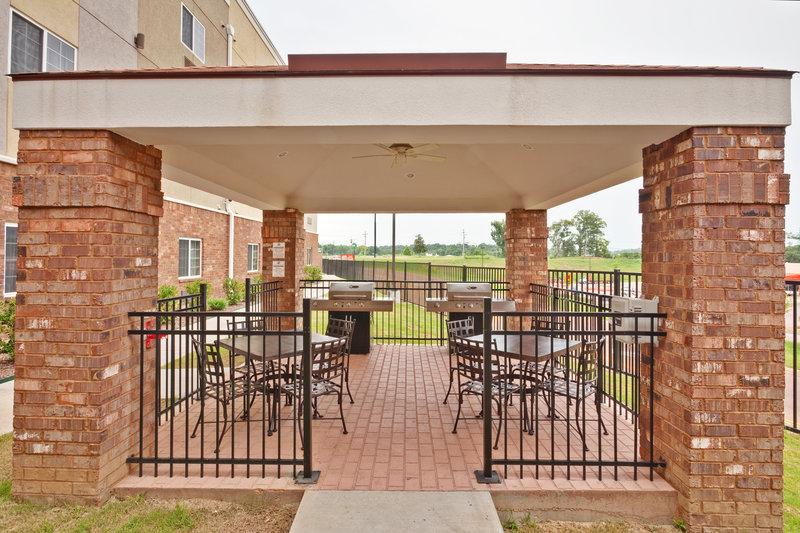Candlewood Suites Vicksburg-Guest Patio<br/>Image from Leonardo