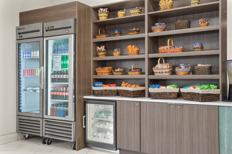 Holiday Inn Charleston-Riverview-Sweet Shop in the Lobby<br/>Image from Leonardo