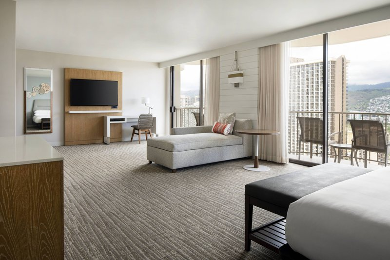 Waikiki Beach Marriott Resort  - Kealohilani Tower King Junior Suite - City View <br/>Image from Leonardo