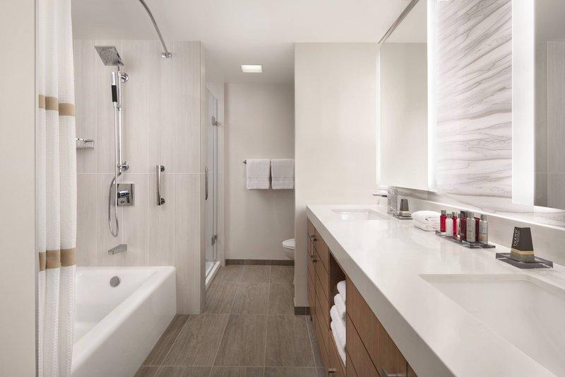 Waikiki Beach Marriott Resort  - Ocean Front Junior Suite - Bathroom <br/>Image from Leonardo