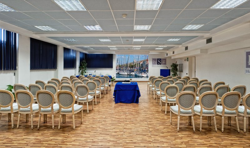 Hotel San Giorgio-Meeting room<br/>Image from Leonardo