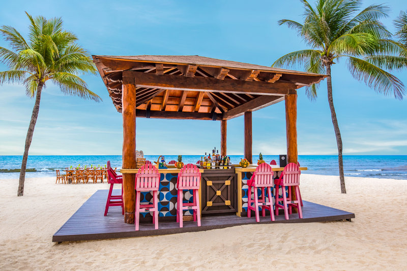 Panama Jack Resorts Playa del Carmen - Panama Jack Resorts Playa Del Carmen Las Olas Bar <br/>Image from Leonardo