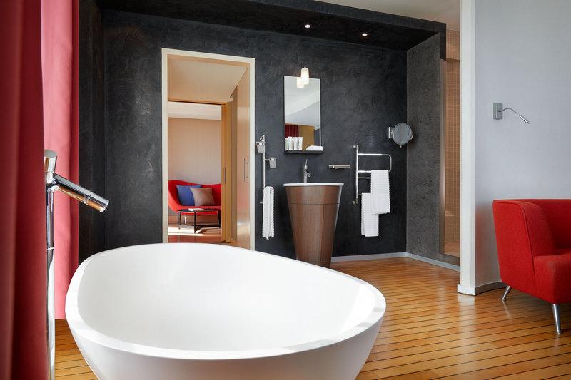 Le Meridien Beach Plaza-Design Suite Bathroom<br/>Image from Leonardo