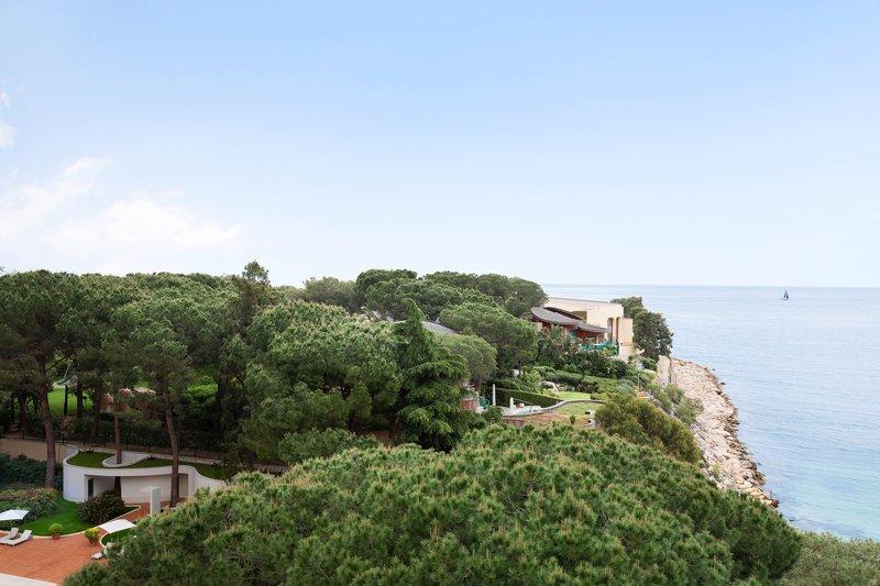 Le Meridien Beach Plaza-Guest Room - Partial Sea View<br/>Image from Leonardo