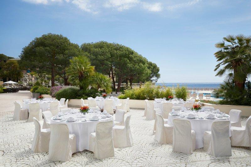 Le Meridien Beach Plaza-Terrace - Salon Mediterranee<br/>Image from Leonardo