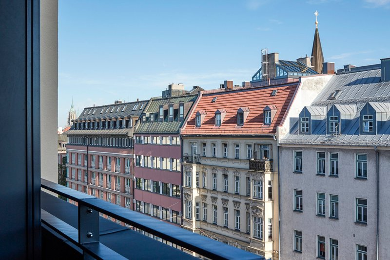 Autograph Collection Roomers Munich-Guest Room - City View<br/>Image from Leonardo