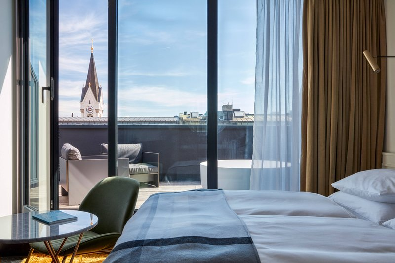 Autograph Collection Roomers Munich-Superior Guest Room<br/>Image from Leonardo