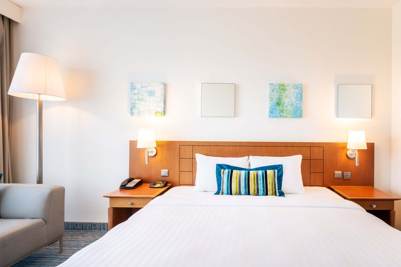 Courtyard Brussels-Deluxe King Guest Room<br/>Image from Leonardo