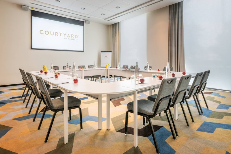 Courtyard Brussels-London Meeting Room<br/>Image from Leonardo