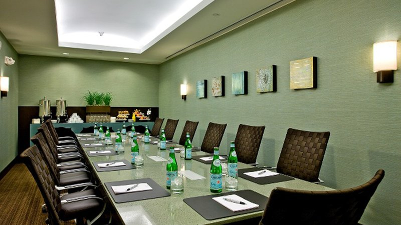 Crowne Plaza Lombard Downers Grove-Executive Board Room<br/>Image from Leonardo