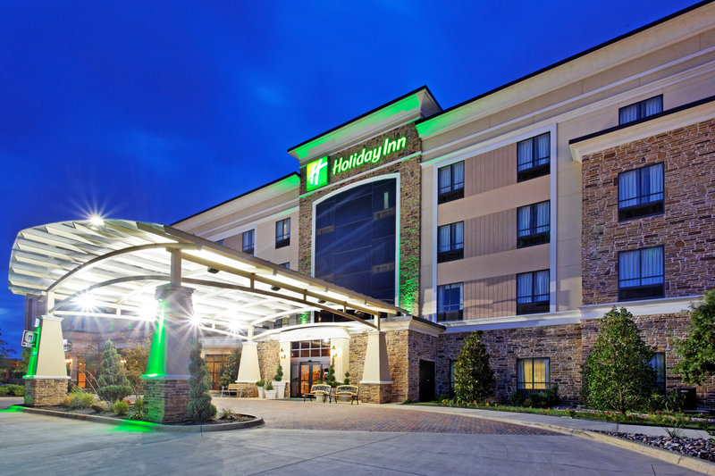 Holiday Inn Arlington NE-Rangers Ballpark-Hotel Exterior at Dusk<br/>Image from Leonardo