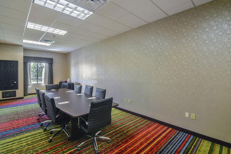 Holiday Inn Arlington NE-Rangers Ballpark-Meeting Room<br/>Image from Leonardo
